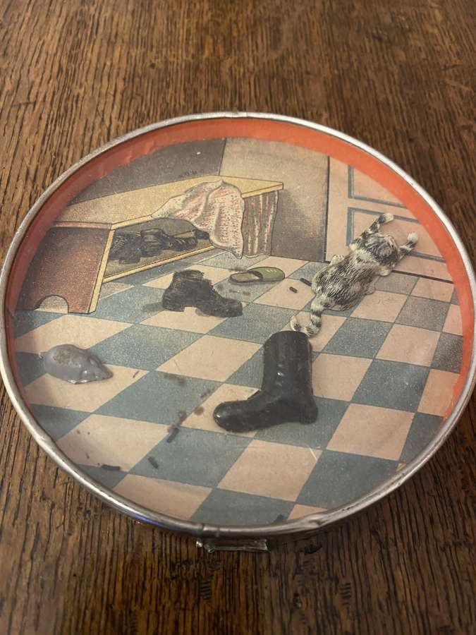 Victorian Magnetic Cat & Mouse Game