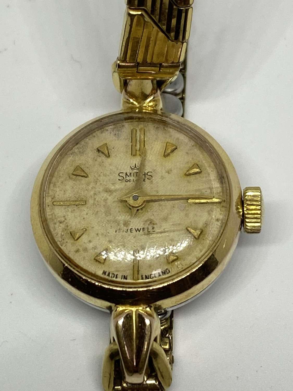 Ladies Smiths 15 Jewels Wrist Watch